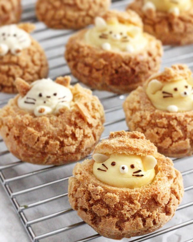 Kitty and mouse cookie choux puffs