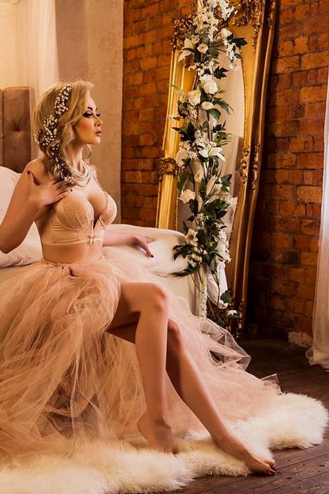 20 Ideas of Sexy Wedding Photos for Your Wedding Boudoir