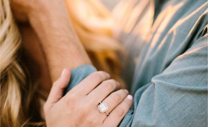 Engagement Ring Shot Engagement Photo Ideas12